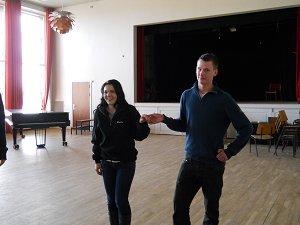 Em dancing